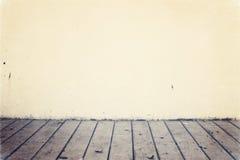 Fundo com plataforma de madeira Fotografia de Stock Royalty Free