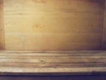 Fundo com plataforma de madeira Foto de Stock Royalty Free