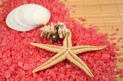 Fundo com sal cor-de-rosa do mar Imagem de Stock