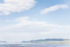 Fundo com uma paisagem da montanha Fotografia de Stock Royalty Free