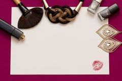 Fundo cosmético das mulheres do encanto na cor cor-de-rosa Fotografia de Stock Royalty Free