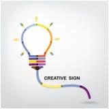 Fundo criativo do conceito da ideia da ampola Fotos de Stock Royalty Free