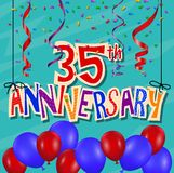 Fundo da celebração do aniversário com confetes e balão Imagem de Stock Royalty Free