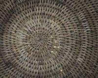 Fundo da cesta de Weave com a luz que shinning completamente imagem de stock