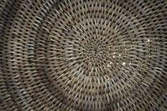 Fundo da cesta de Weave com a luz que shinning completamente Foto de Stock