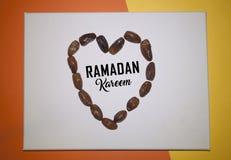 Fundo da cor de Ramadan Kareem Red fundo do feriado de Ramadan Kareem da decora??o Mubarak Islamic Feast Greetings Turkish: Ramaz imagens de stock royalty free