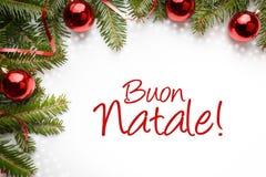 Fundo da decoração do Natal com cumprimento do Natal no ` italiano Buone Natale! ` Fotografia de Stock Royalty Free