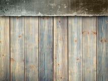Fundo da dupla camada - muro de cimento e pranchas de madeira Fotos de Stock Royalty Free