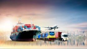 Fundo da exportação da importação da logística de negócio global e navio do frete da carga do recipiente imagem de stock