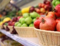 Fundo da fruta Loja do fruto Fotos de Stock Royalty Free