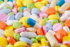 Fundo da grande quantidade de comprimidos coloridos Imagens de Stock Royalty Free