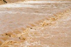 Fundo da inundação repentina na estação das chuvas após a tempestade para fora Fotos de Stock Royalty Free