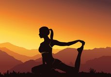 Fundo da ioga da silhueta Ioga praticando da jovem mulher na montanha - vector a ilustração Imagem de Stock Royalty Free