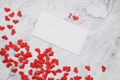 fundo da Liso-configuração para o dia de Valentim, amor, corações, espaço da cópia da caixa de presente imagens de stock royalty free