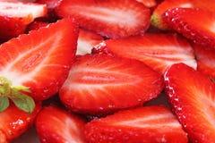 Fundo da morango Morango inteira vermelha como a textura do teste padrão Morangos Foto de Stock