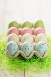 Fundo da Páscoa com os ovos coloridos pasteis Imagem de Stock Royalty Free