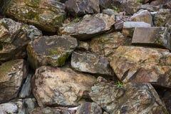 Fundo da parede da rocha Textura velha e fundo da parede de pedra fotografia de stock