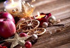 Fundo das decorações do Natal da tradição Imagens de Stock