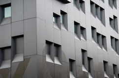 Fundo das janelas do prédio de escritórios Imagens de Stock