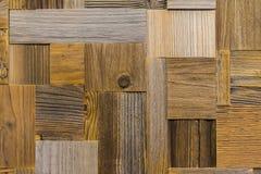 Fundo das telhas de madeira gastos velhas ecológicas do retângulo diferente Textura de madeira com os riscos e as quebras criativ Fotografia de Stock Royalty Free
