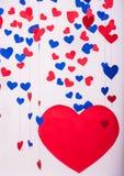 Fundo de corações do papel vermelho e azul Fotos de Stock