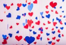 Fundo de corações do papel vermelho e azul Imagens de Stock Royalty Free