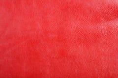 Fundo de couro vermelho natural da textura fotografia de stock