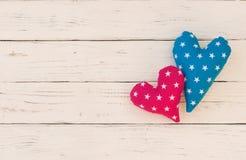 Fundo de dois corações do amor para o dia ou o casamento de Valentim Fotografia de Stock