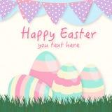 Fundo de Easter Colocação de ovos da páscoa na grama verde Imagens de Stock Royalty Free