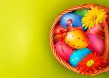 Fundo de Easter com sagacidade dos ovos da páscoa e das flores Imagens de Stock Royalty Free