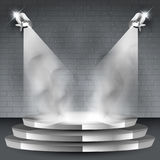 Fundo de fase com dois projetores e fumos ilustração royalty free