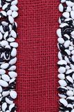 Fundo de feijões preto e branco de cima na tela do bordo Fotos de Stock Royalty Free