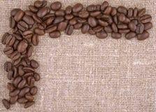 Fundo de linho dos feijões de café Fotos de Stock