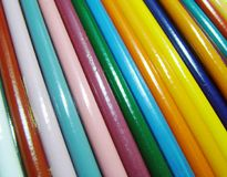 Fundo de madeira colorido dos lápis Fotos de Stock