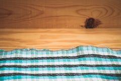 Fundo de madeira com folha azul Fotos de Stock Royalty Free
