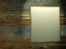 Fundo de madeira com papel em branco. ilustração royalty free