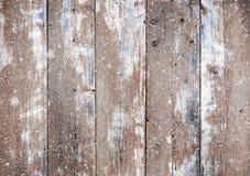 Fundo de madeira das pranchas do Natal com neve de queda Fotos de Stock Royalty Free