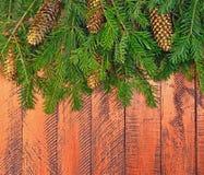 Fundo de madeira do Natal com árvore de abeto Fotos de Stock Royalty Free