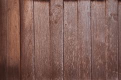 Fundo de madeira velho da parede da prancha, teste padrão desigual de madeira da textura foto de stock royalty free