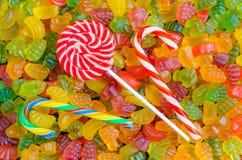 Fundo de muitos doces brilhantes e coloridos da geleia com espaço livre para o texto Foto de Stock Royalty Free