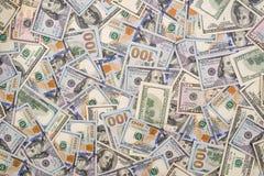 Fundo de 100 novos e do dólar velho Imagens de Stock Royalty Free