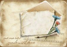 Fundo de papel do vintage com cartão e o cornflo velhos Foto de Stock