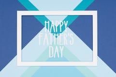 Fundo de papel multicoloured feliz abstrato do minimalismo da textura do dia de pais Cartão feliz mínimo do dia de pais imagens de stock royalty free