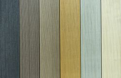 Fundo de placas impermeáveis de várias cores fotografia de stock
