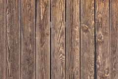 Fundo de placas verticais marrons Fundo vazio para disposi??es Textura de madeira fotos de stock royalty free