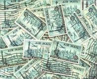 Fundo de selos postais velhos do correio aéreo dos E.U. Imagem de Stock