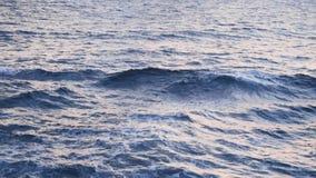 Fundo de superfície da onda do verão do mar estoque Paisagem exótica da água no horizonte Paraíso tropical natural da água vídeos de arquivo