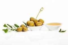 Fundo delicioso das azeitonas verdes. Fotos de Stock