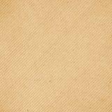 Fundo diagonal da textura do teste padrão do cartão ondulado de Brown Fotografia de Stock
