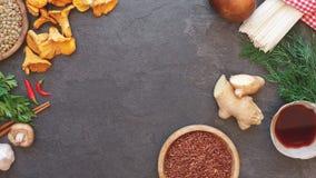 Fundo do alimento com os vários ingredientes de cozimento Fotos de Stock Royalty Free